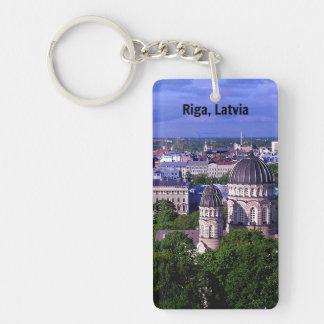 Paisaje urbano de Riga, Letonia Llavero Rectangular Acrílico A Una Cara
