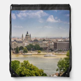 Paisaje urbano del verano de Budapest, foto del Mochilas