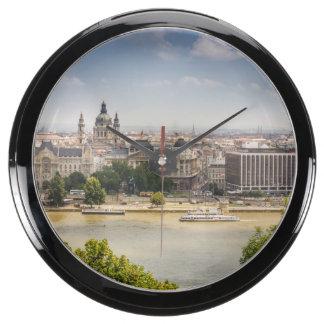 Paisaje urbano del verano de Budapest, foto del Reloj Aquavista