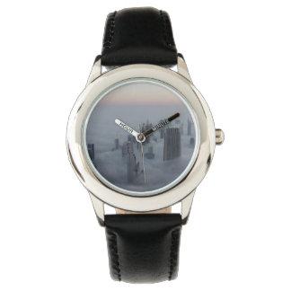 paisaje urbano reloj de mano
