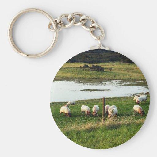 Paisajes y ovejas llavero personalizado