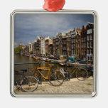 Países Bajos, Amsterdam. Vista del canal de Adorno Navideño Cuadrado De Metal