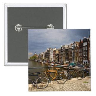 Países Bajos, Amsterdam. Vista del canal de Pins