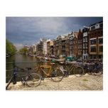 Países Bajos, Amsterdam. Vista del canal de Postal
