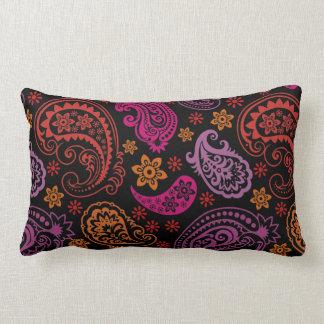 Paisley en colores pastel púrpura rosada cojines