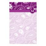 Paisley púrpura y blanca papeleria de diseño