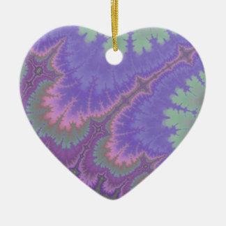 Paisley rosada y púrpura adorno de cerámica en forma de corazón