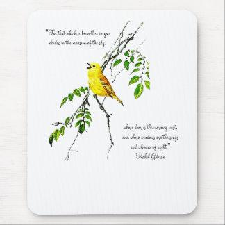 Pájaro amarillo de las bendiciones de la primavera tapete de ratón