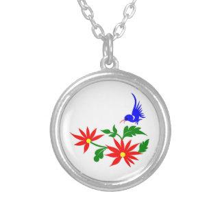Pájaro azul con las flores rojas colgante personalizado