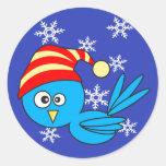 Pájaro azul con los copos de nieve pegatinas redondas