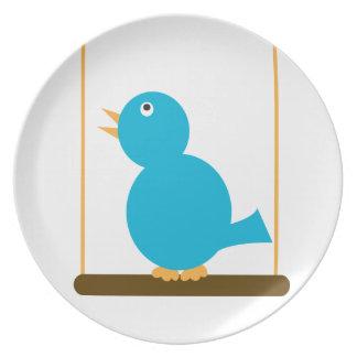 Pájaro azul en una placa de la perca plato para fiesta