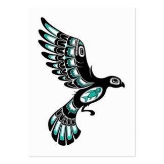Pájaro azul y negro del trullo del vuelo del Haida Plantilla De Tarjeta De Negocio