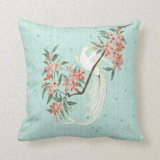 Pájaro blanco - flores de cerezo almohadas