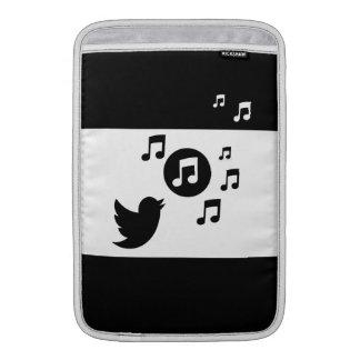 Pájaro cantante elegante blanco y negro funda  MacBook