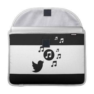Pájaro cantante elegante blanco y negro fundas para macbook pro