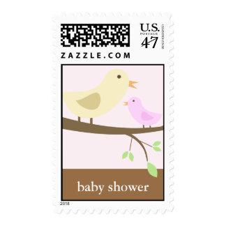 Pájaro de la mamá y de bebé sellos