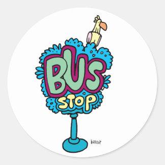 Pájaro de la parada de autobús etiquetas redondas