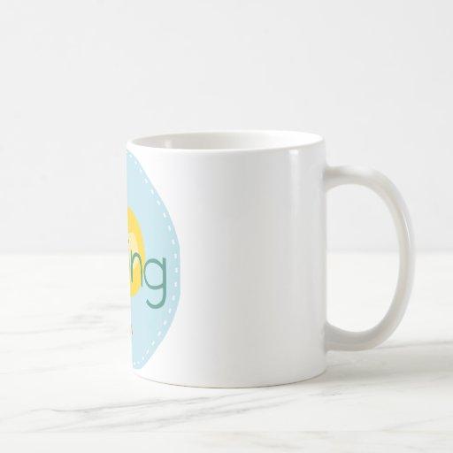 Pájaro de la primavera del dibujo animado tazas de café