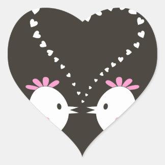 Pájaro de love2 pegatina en forma de corazón