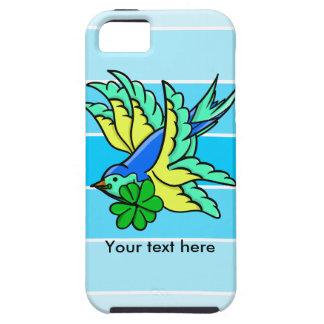 Pájaro de vuelo afortunado del trébol de cuatro iPhone 5 fundas