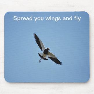 Pájaro del chorlito en vuelo alfombrilla de ratón