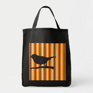 Pájaro del cuervo de Halloween y silueta anaranjad Bolsa Tela Para La Compra