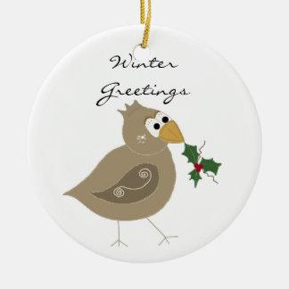 Pájaro del invierno con la puntilla del acebo adorno navideño redondo de cerámica