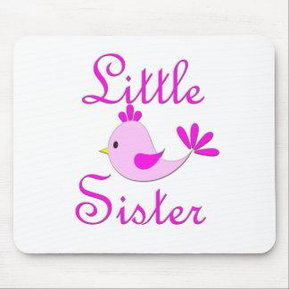 Pájaro del rosa de la pequeña hermana alfombrillas de ratón