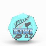 Pájaro del rugbi del KIWI AZ y helecho de plata