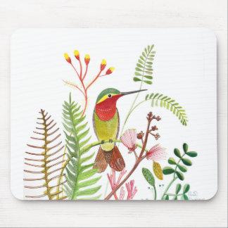 Pájaro del tarareo en Frowers Tapete De Ratón