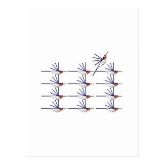 Pájaro del tarareo tarjetas postales