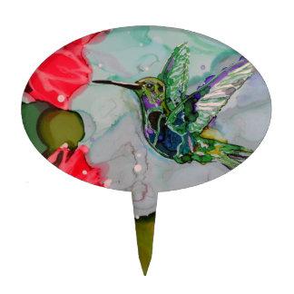 Pájaro del tarareo y flores rojas decoración de tarta
