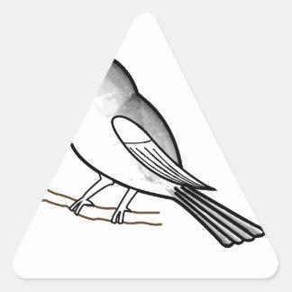 Pájaro dibujado mano en una ramita pegatina de triangulo