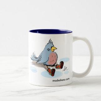 Pájaro en botas taza de café de dos colores