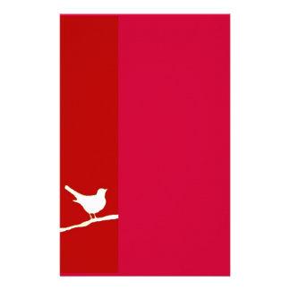 Pájaro en efectos de escritorio del rojo del alamb  papeleria de diseño