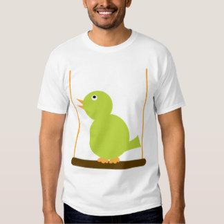 Pájaro en una camiseta de la perca remeras