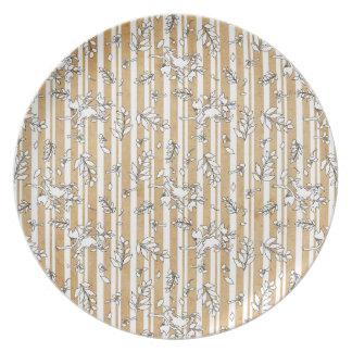 Pájaro en una placa del cerezo (forma blanca) plato de cena