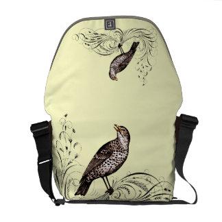 Pájaro en una voluta (Brown) Bolsas De Mensajería