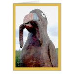 Pájaro enorme con el gusano en pico tarjetón