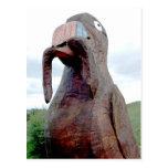 Pájaro enorme con reserva del gusano la postal del