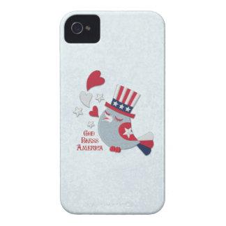 Pájaro patriótico de los píos blanco rojo y azul Case-Mate iPhone 4 carcasa