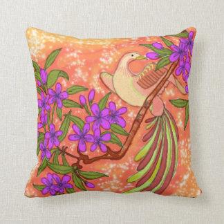 Pájaro y almohada floral de MoJo del americano