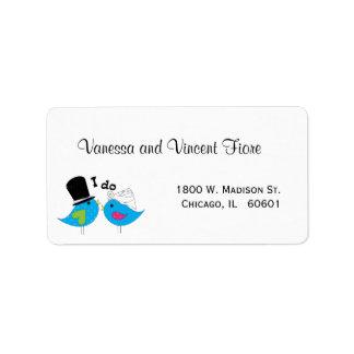 Pájaros azules de novia y del novio de la felicida etiqueta de dirección