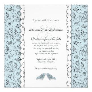 Pájaros azules felices que casan el cuadrado de mo invitaciones personalizada