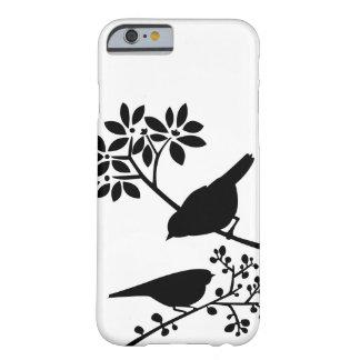 Pájaros blancos y negros funda barely there iPhone 6