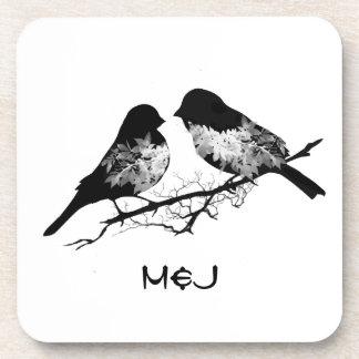 Pájaros de encargo del amor del nombre o del monog posavasos