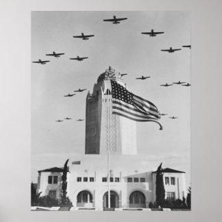 Pájaros de la guerra en alto póster
