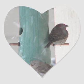 Pájaros de la nieve pegatina en forma de corazón