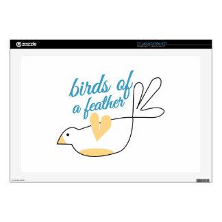 Pájaros de la pluma portátil skin