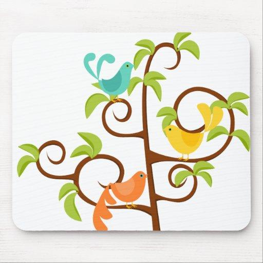 Pájaros de un árbol tapetes de ratones